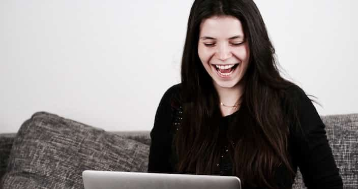 Mitarbeiterin Oxana in der Bitfactory