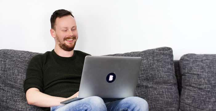 Mitarbeiter Geffrey in der Bitfactory