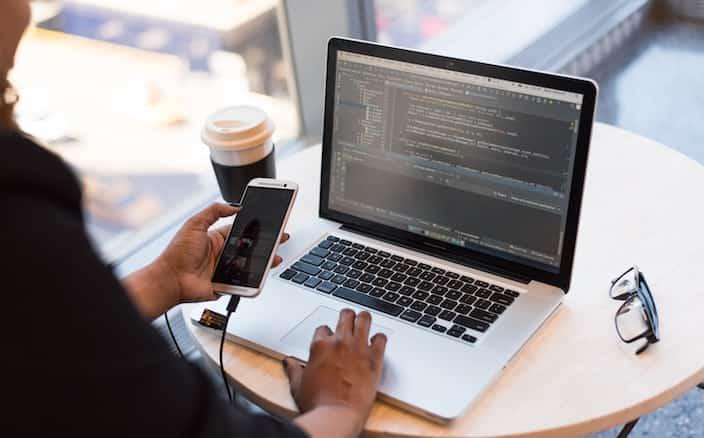 App Entwicklung am Laptop