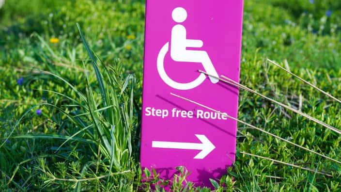 Barrierefreiheit für behinderte Menschen